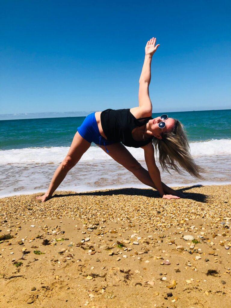 Почему дыхание йоги помогает при болях в спине.
